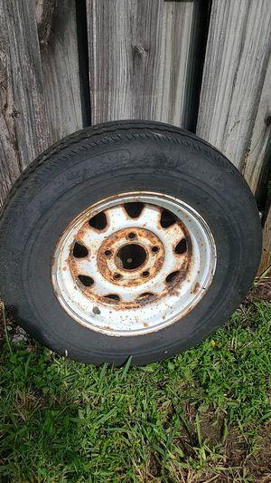 Trailer tire and rim for Sale in Miami, FL