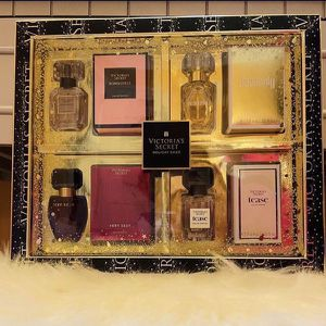 9 Left!! Ultimate Gift Set! Victoria Secret Gift!! for Sale in San Antonio, TX