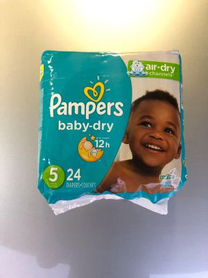 Size 5 pamper diaper for Sale in La Habra, CA