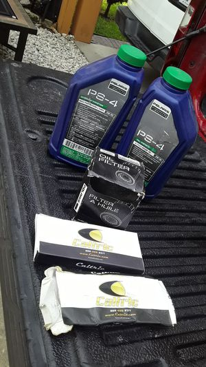 Aceite de motor filtro y balatas traseras polaris ranger 2007 for Sale in Cypress, TX
