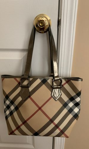 Used Authentic Burberry Shopper bag. for Sale in South Riding, VA