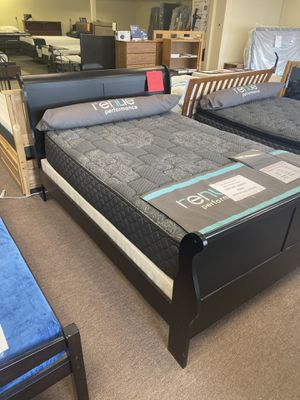 Queen Wood Sleigh Bed in Black or Cherry - close out prices for Sale in Portland, OR