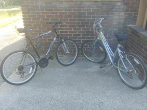 Men Raleigh Talus 2.0 and Women Giant. Sedona 6061 Allux Mountain bikes for Sale in Cleveland, OH