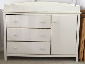 Changing table/dresser for Sale in Seattle, WA