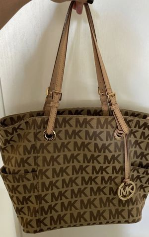 Authentic Michael Kors handbag. for Sale in Burlingame, CA