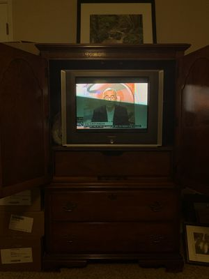 6 piece cherry bedroom set. 4 poster bed, 2 nightstands, 1 large dresser with mirror, 1 tv cabinet with large drawers, and lingerie chest. for Sale in Walnut Creek, CA