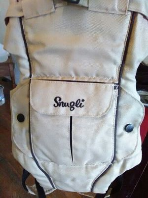Snuggie baby carrier/backpack for Sale in Cleveland, OH