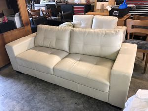 White Leather Couch and loveseat. Like new for Sale in Northport, MI