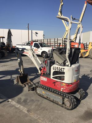 Mini excavator Takeuchi TB210 831047 for Sale in Norwalk, CA
