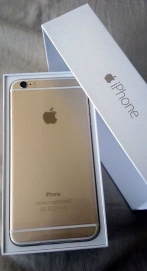 iPhone 6S Plus Gold 128gigs Mint Condition for Sale in Hialeah, FL