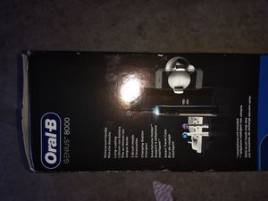 Oral B Genius 8000 toothbrush for Sale in Overland Park, KS