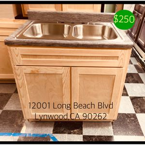 "Kitchen Cabinet 36"" for Sale in Anaheim, CA"