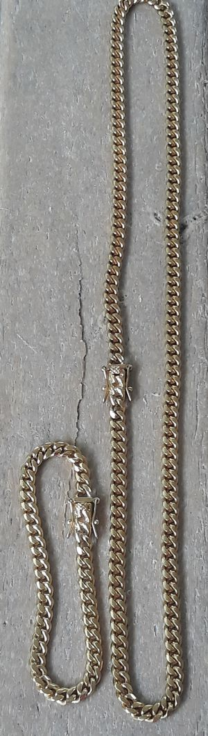 $80..6mm... 14k gold plated Cuban link chain and bracelet...... will not fade or tarnish...... I deliver🚘🚗💨💨 for Sale in Miami, FL