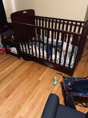 Crib w/changing table and Serta mattress for Sale in Redford Charter Township, MI