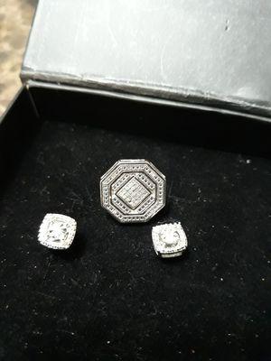 Diamond earrings for Sale in Fort Worth, TX