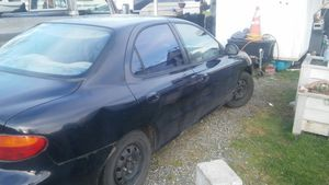 Hyundai 97 bad motor part 400 for parts must take whole for Sale in Lacey, WA