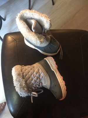 winter boots little girls size 5 for Sale in Denver, CO