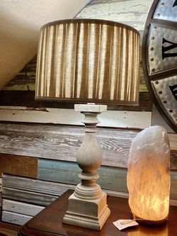 Lamp with shade for Sale in Irving,  TX