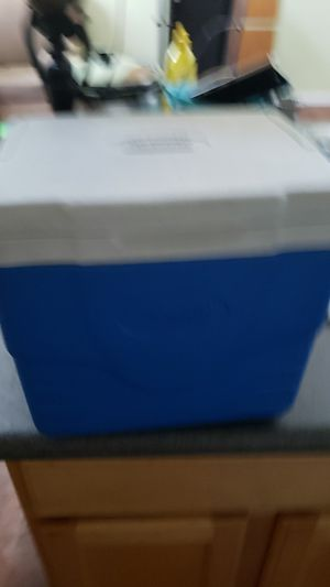 Coleman mini cooler for Sale in North Las Vegas, NV