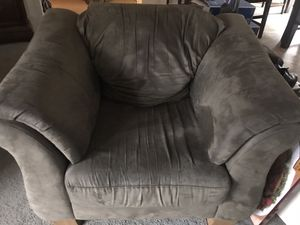 Green chair, couch and love Seat for Sale in La Pine, OR