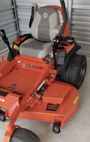 Ariens zero turn riding lawnmower. for Sale in Wichita, KS