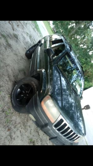 2001 jeep grand cherokee for Sale in Lakeland, FL