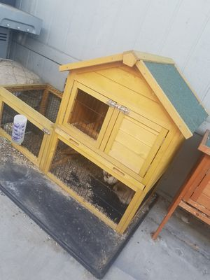 Rabbit hutch for Sale in Lakewood, CA