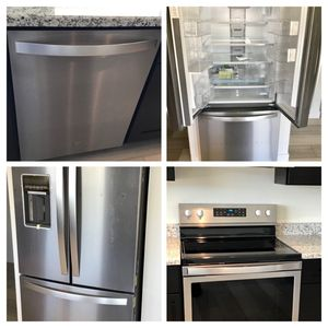 Awesome Whirlpool Appliance Set for Sale in Tempe, AZ