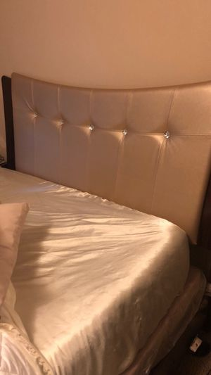 Nice bed queen bed set DOES NOT COME WITH MATTRESS OR BOX SPRING. for Sale in Roanoke, VA