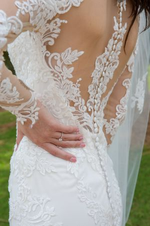 Sincerity Bridal Wedding Dress (Style 3936) with Westwood Collection Veil for Sale in Gainesville, GA