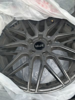 18 inch F1R w/tires for Sale in McHenry, IL