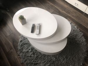 White modern coffee table for Sale in Tampa, FL
