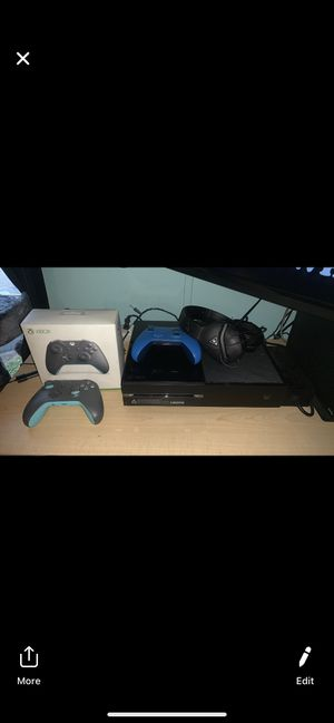 Xbox 1 with 2 controllers and turtle beach headset for Sale in Bristol, PA