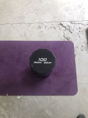 A single urethane 100lb dumbbell! Commercial grade! for Sale in Severna Park, MD