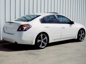 2007 Altima SL Price 8OO$ for Sale in Los Angeles, CA