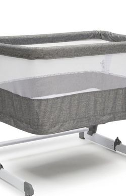 Simmons Kids' Room2Grow Bassinet for Sale in Manteca,  CA