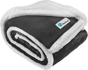 Waterproof Dog Blanket Bed Couch, Dogs, Puppies Sherpa Fleece Pet Blanket Furniture Protector for Sale in Orlando, FL