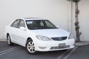 toyota camry 2005 xle for Sale in Los Angeles, CA