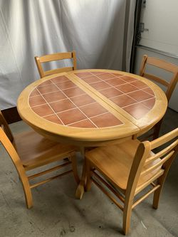 Solid Wood 5 Piece Dining Set !!! for Sale in Vancouver,  WA