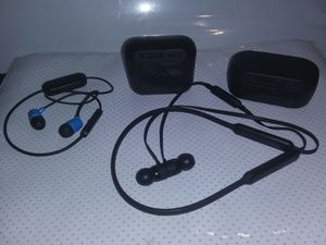Authentic skull candy earbud and dr Dre wireless earphone bundle for Sale in Norco, CA