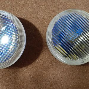 A PAIR OF FOG LIGHTS FOR 1999 GMC for Sale in Allen Park, MI