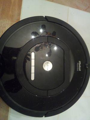 IROBOT Roomba vacuum for Sale in Dallas, GA