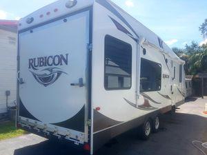 2013 Rubicon toy hauler travel trailer 29 ft nonsmoker no pets for Sale in Sarasota, FL