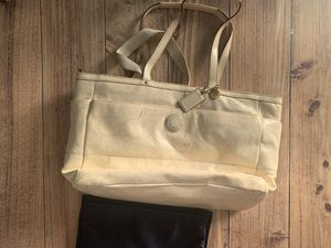 Coach large white baby laptop tote bag for Sale in Hialeah, FL