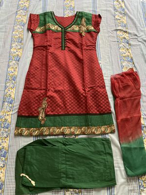 Indian traditional (dress) for Sale in Lutz, FL