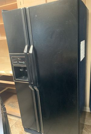 Whirlpool refrigerator for Sale in Charlotte, NC