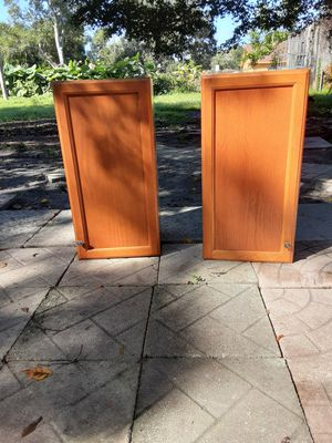 2 kitchen cabinets for Sale in Bradenton, FL