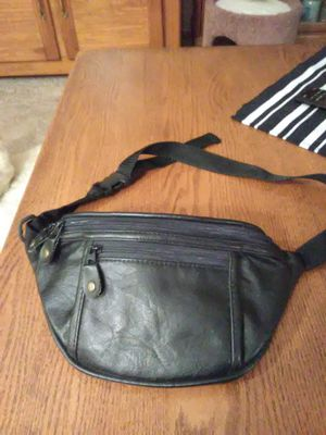 BLACK FANNY PACK for Sale in Lakewood, CO