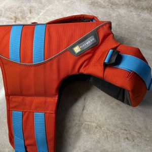 Ruffwear Dog Life Jacket Size SM for Sale in Mountlake Terrace, WA