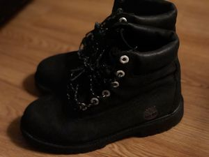 Wmns 6 inch premium waterproof boots- timberland for Sale in Castro Valley, CA